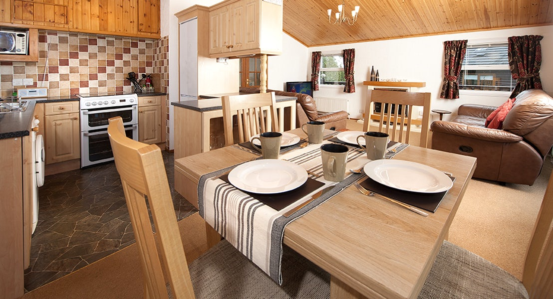 Killigarth Manor Holiday Park- Kitchen & Dining Room