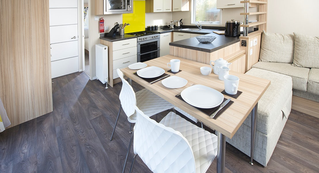 Holiday Lodge | Kitchen & Dining Area