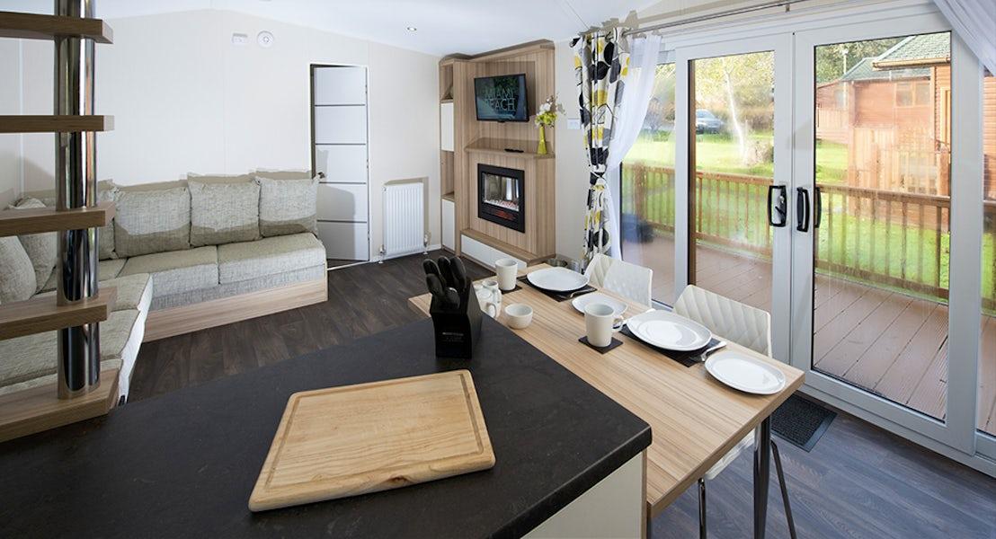 Holiday Lodge| Lounge