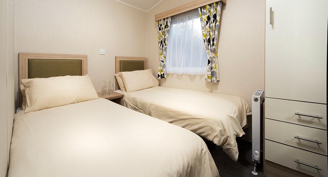 Holiday Lodge | Twin Bedroom