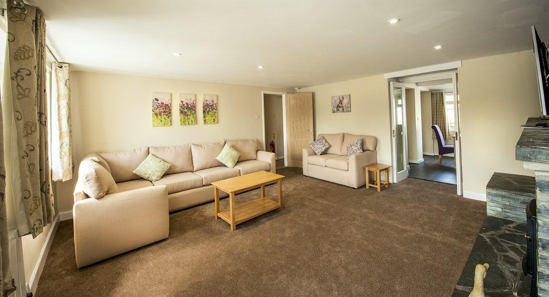 Alternative lounge view ¦ Widemouth Farnhouse