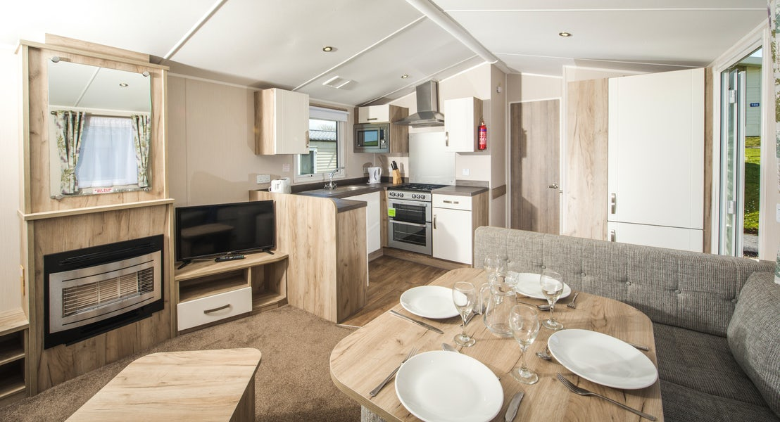 Kitchen ¦ Platinum Caravan