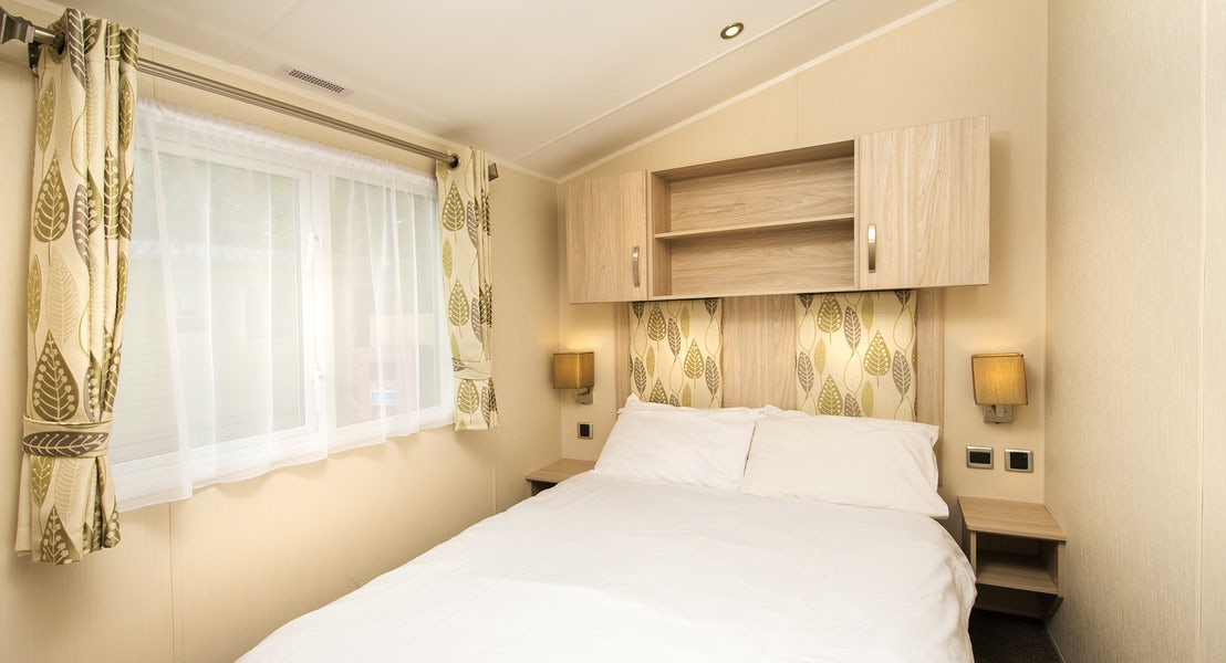 Bedroom ¦ Gold caravan