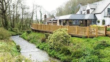 Sawmills Pub & Restaurant