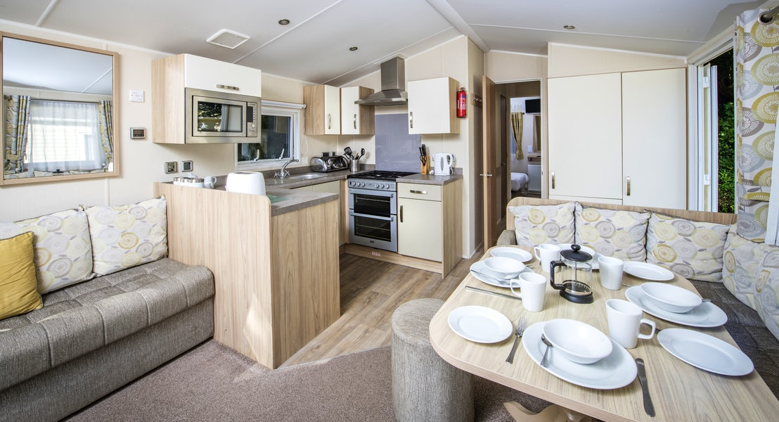Dining Area ¦ 2 Bedroom Gold Caravan