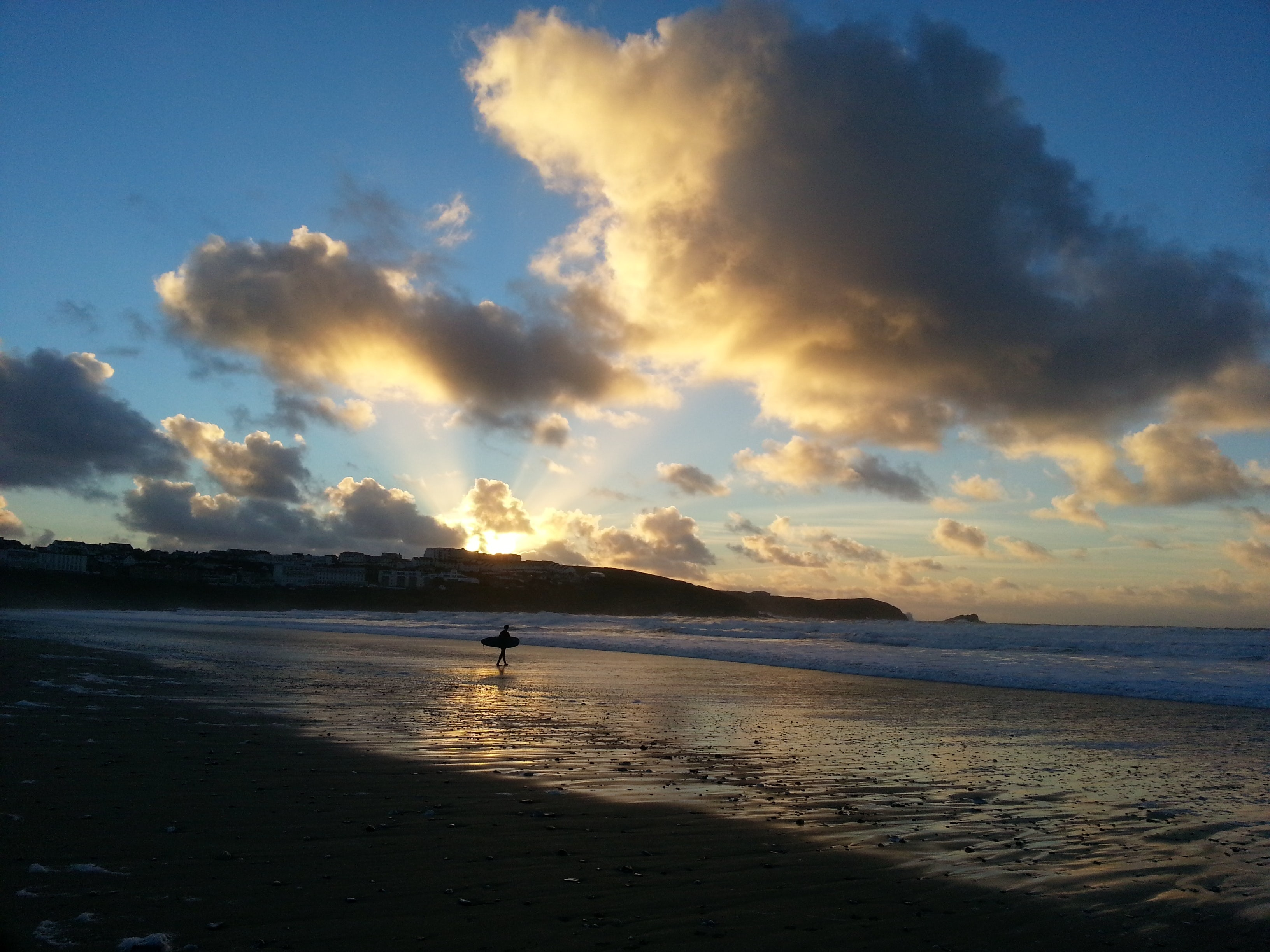 5 winter beach activities in Cornwall