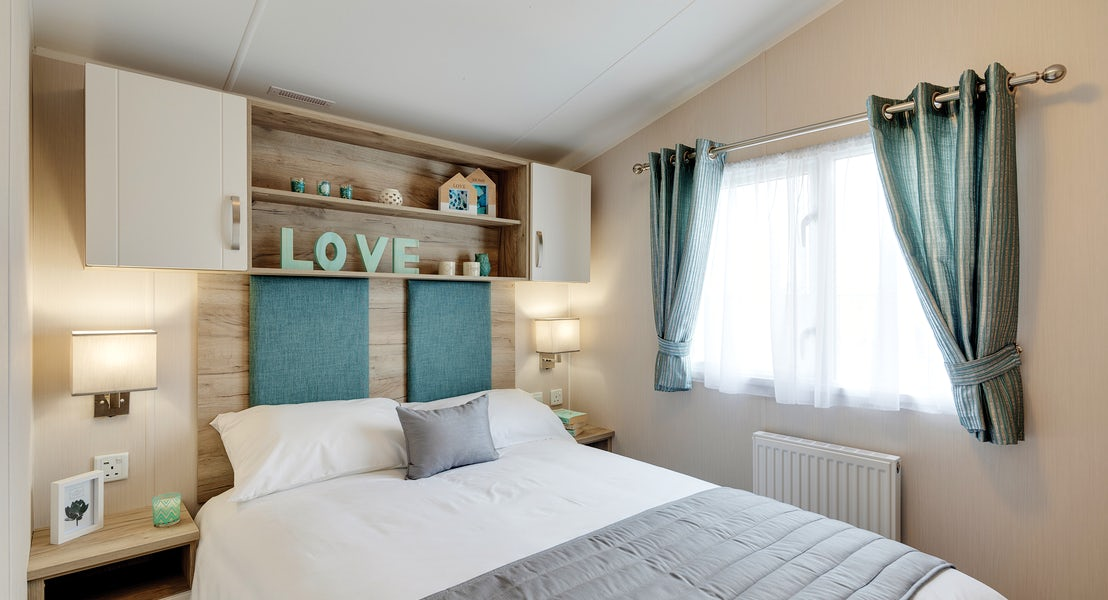 Bedroom ¦ 2 Bed Platinum Caravan