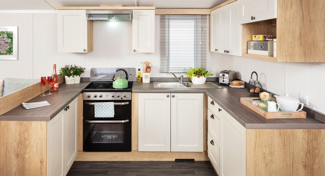 Kitchen ¦ 3 bed platinum hot tub caravan