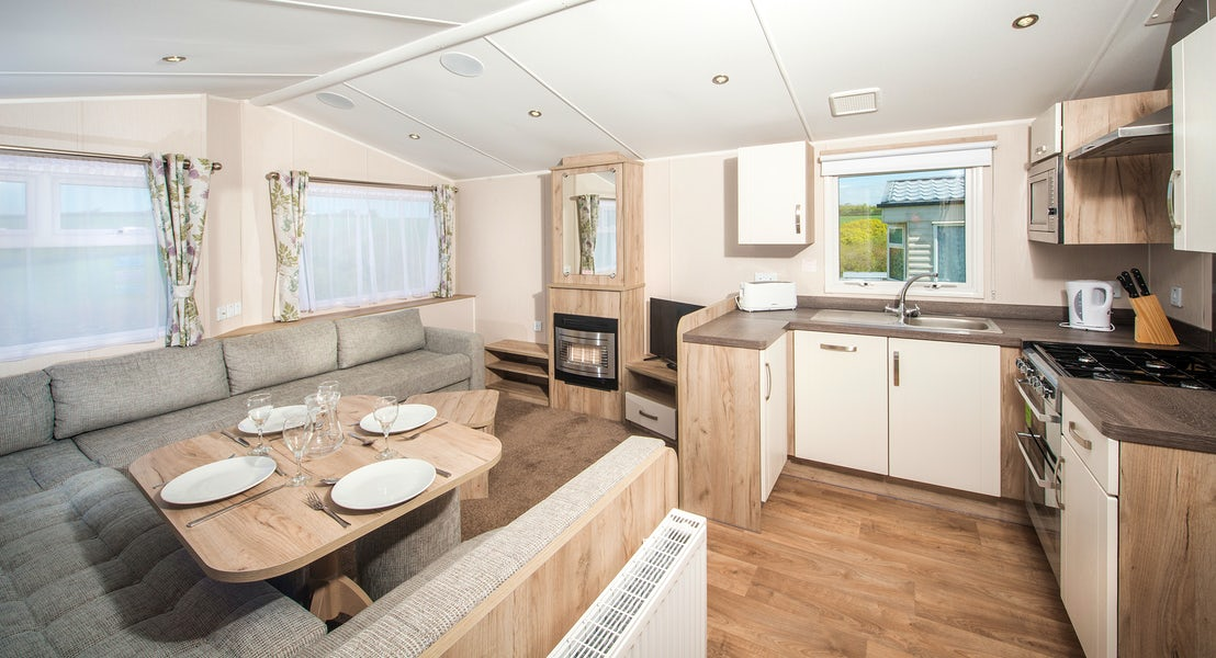 Dining Area ¦ 2 bed gold caravan