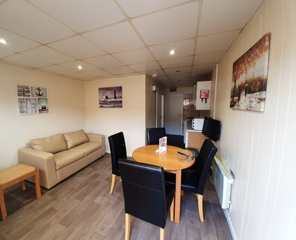 Dining Area | 1 Bed Budget Chalet
